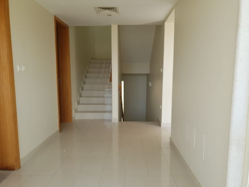 2nd floor hallway and stairs