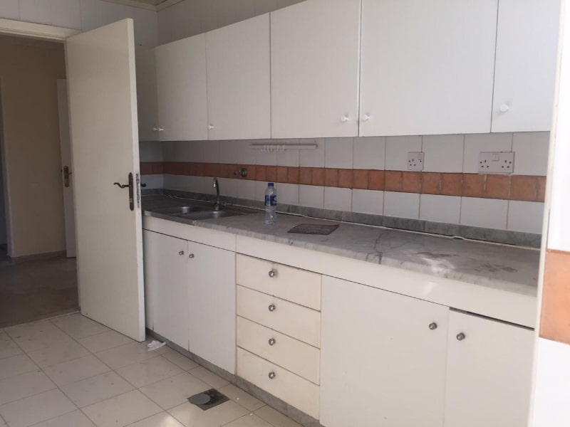 kitchen white countertop